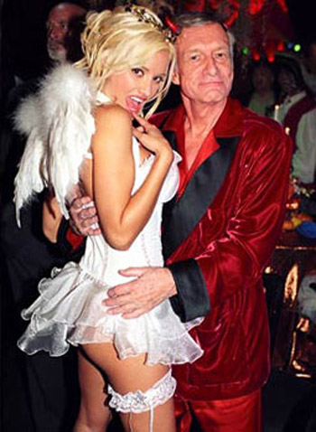 holly-madison-hugh-hefner