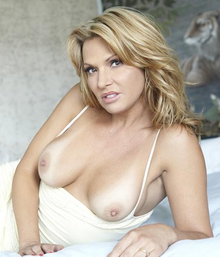 Sexy savanna exposed porn virgin 1